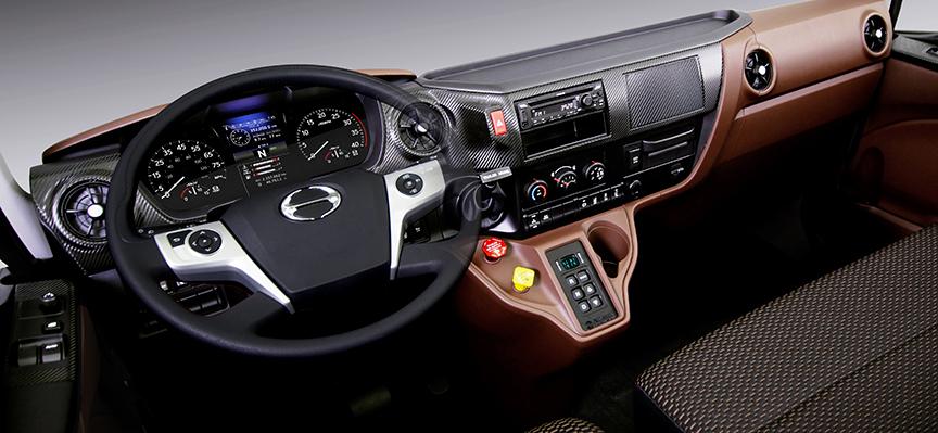 Hino - XL Serie interieur