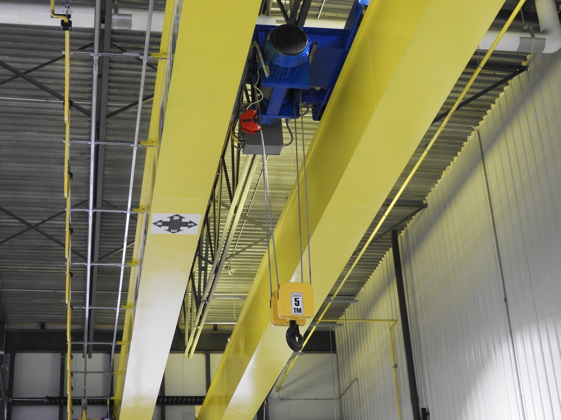 Overhead cranes manufacturing | Products and services | ACCÈS