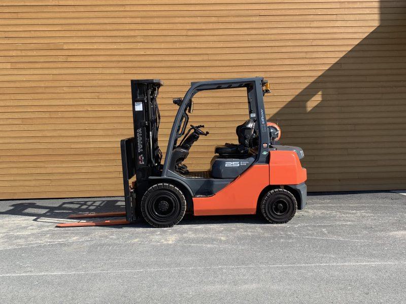 Toyota lift 8FGU25